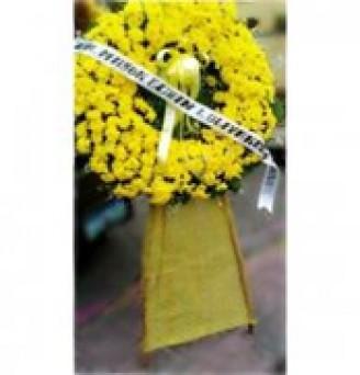 All Yellow Wreath