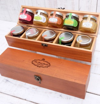 The Circus Coffret in Mahogany Wood